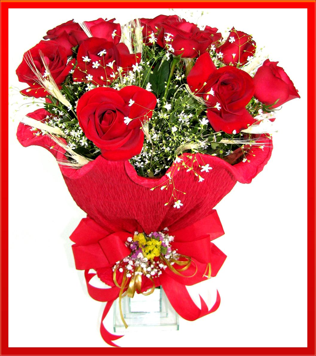 Цветы красиво упакованные в бумажную