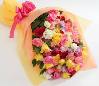 Фото красивых букетов роз: http://kartinki-cvetov.ru/rozy-bukety.html