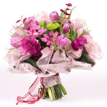 яркий розовый букетик